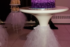 S16-Cake-on-Tier-table