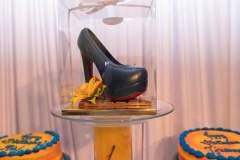 chocolate-shoe-and-cake-display